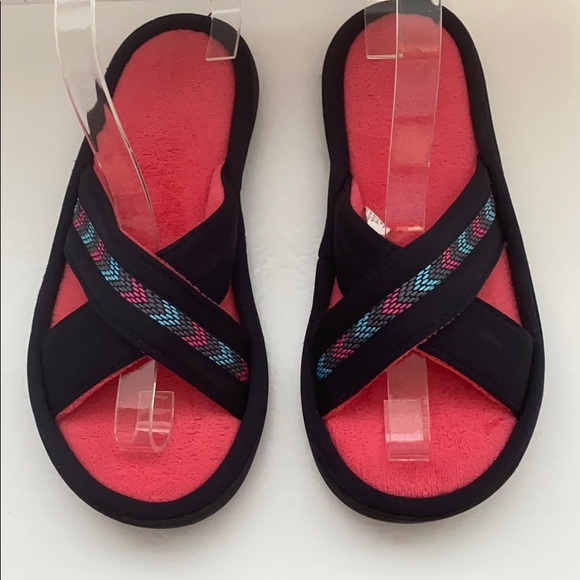 isotoner Shoes - Isotoner Women's Black/Pink Slippers Size 7.5 - 8